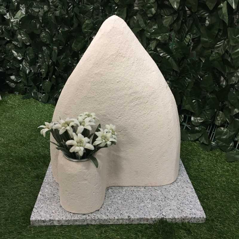 Tomba per animale cane o gatto modello montagna con fioriera